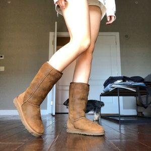 UGG Tall Boots with Nubuck leather